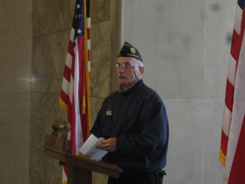Pat O'Donnell speaks to the veterans in attendance, and to their family and friends.